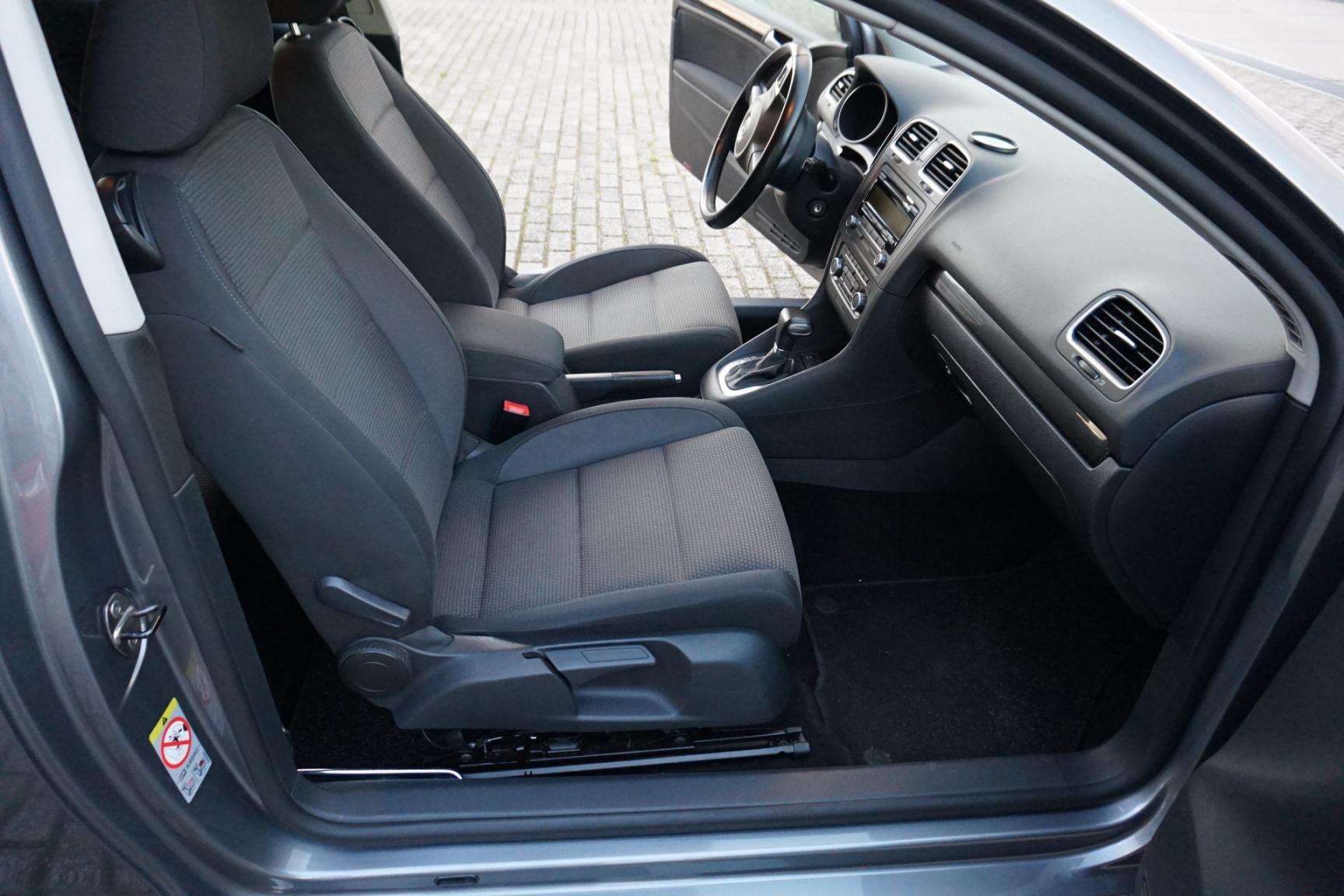 Volkswagen-Golf-8